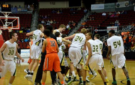 Boys basketball team wins state championship