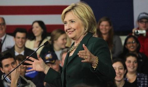 Clinton tells Iowa City her plans and pulls in voters