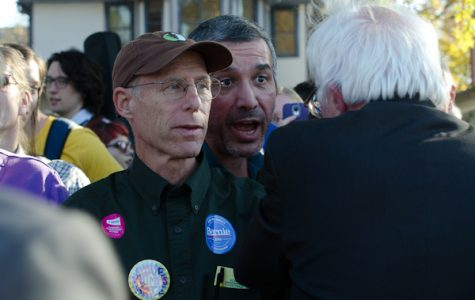 Sanders returns to Iowa City