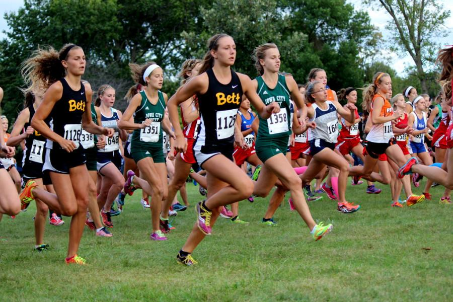 Cross+country+teams+place+second+at+Cedar+Rapids+Washington+Invite+