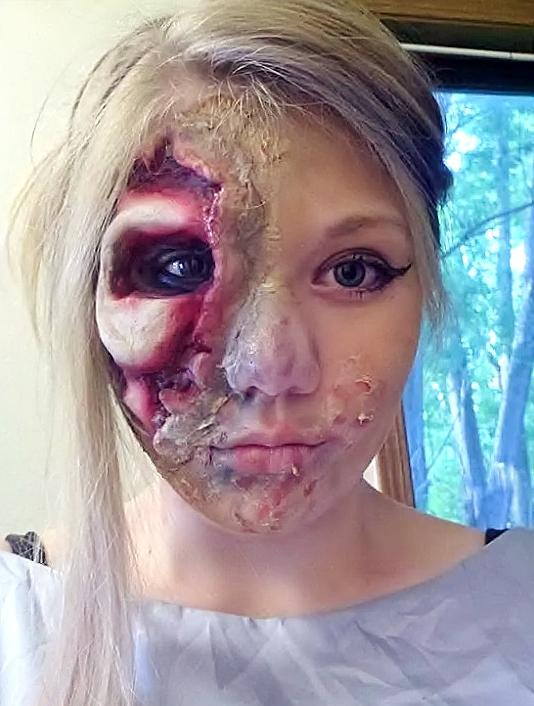 Eowyn Twithchell '17 has done horror makeup on herself