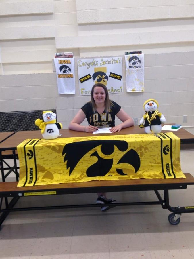 Thomas+commits+to+Iowa