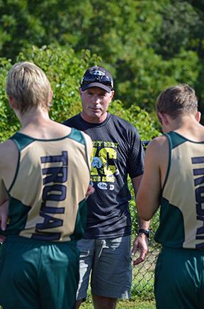 Coach+Martz+looks+on+at+his+runners.