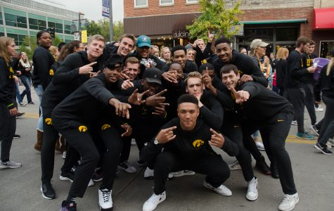 University of Iowa hosts annual homecoming parade