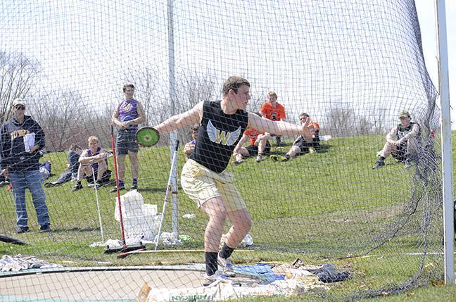 Jonathan Gannon '18- discus (16)