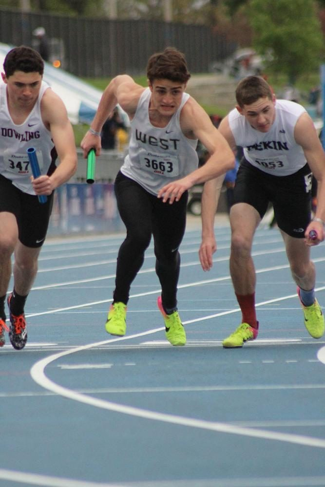 Jeff+Garbutt+%2718+starts+off+the+boy%27s+4x800-meter+relay%2C+where+West+placed+ninth.