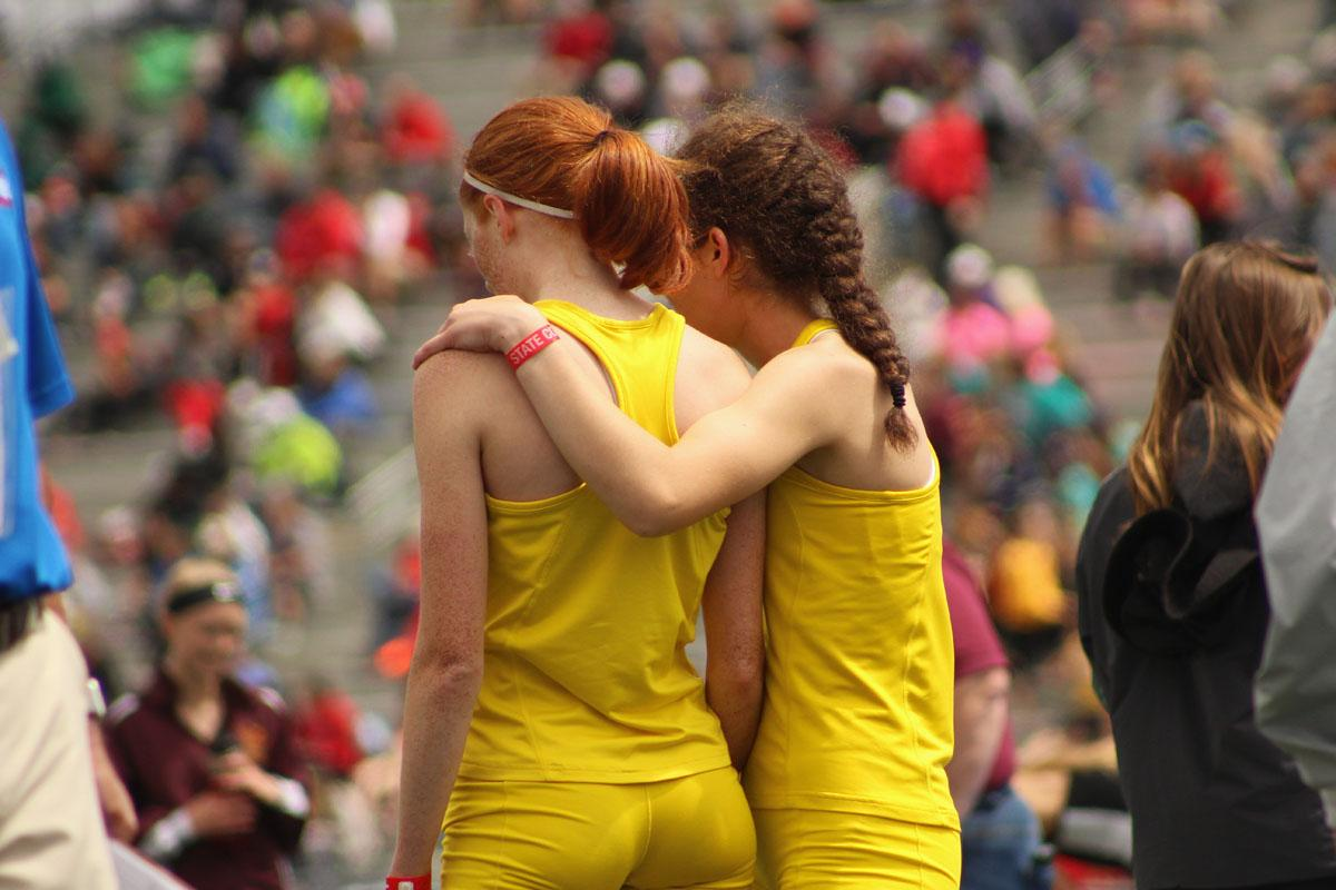 Deniz+Ince+%2719+congratulates+Claire+Ronnebaum+%2717+after+her+leg+in+the+girls+4x800+meter+relay.+The+team+placed+10th+with+a+time+of+9%3A45.76.