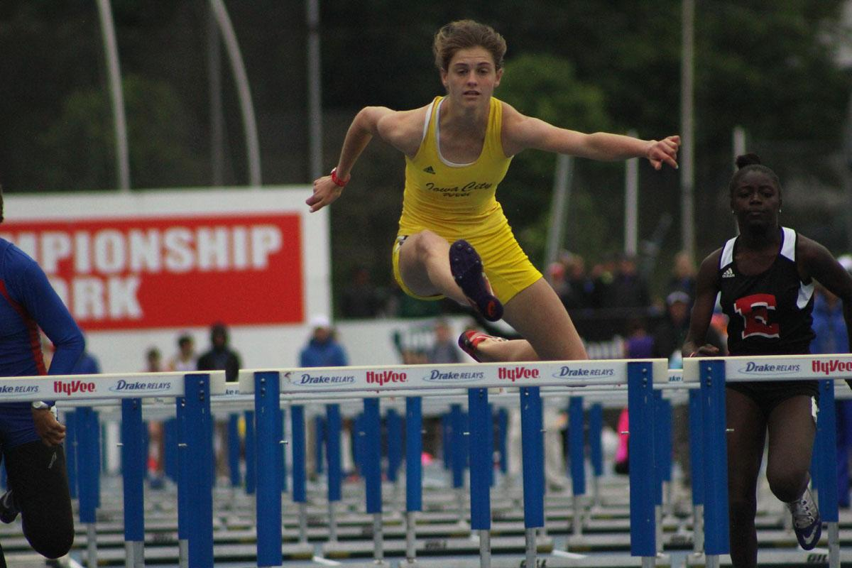 Valerie+Welch+%2717+competes+in+the+100+meter+hurdle+prelims+on+May+19th.+She+went+on+the+earn+a+state+title+in+the+event+on+May+20th+with+a+time+of+14.48.+