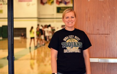 Erica Mundt received the IAPHERD award, which recognizes PE teachers who are making a difference through their teaching.