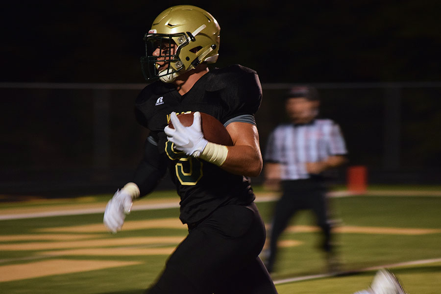 Dillon Doyle 18 sprints to score a touchdown, making the score 21-0 at the time.
