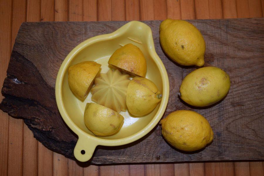Lemons are cut for the lemonade. This recipe called for 1 lemon per serving.