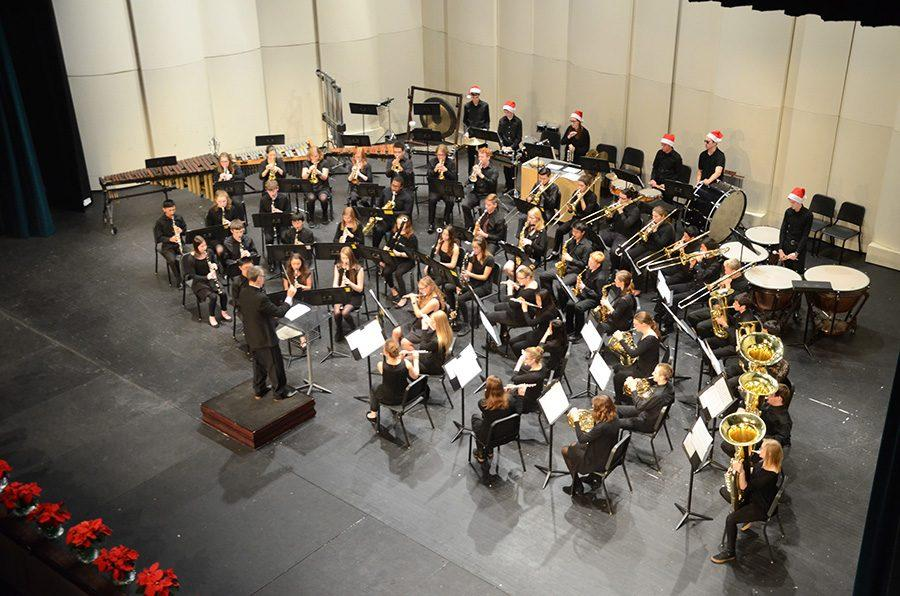 Symphonic+Band+performs+an+arrangement+of+%22How+the+Grinch+Stole+Christmas%22+on+Tuesday%2C+Dec.+12.