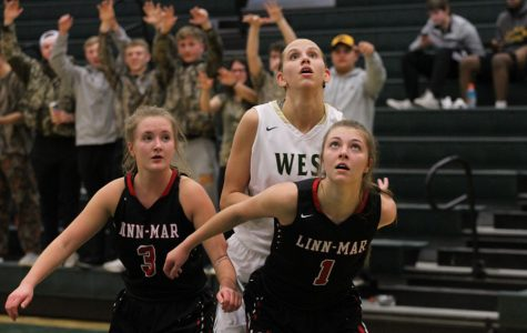 Girls basketball defeats Linn-Mar