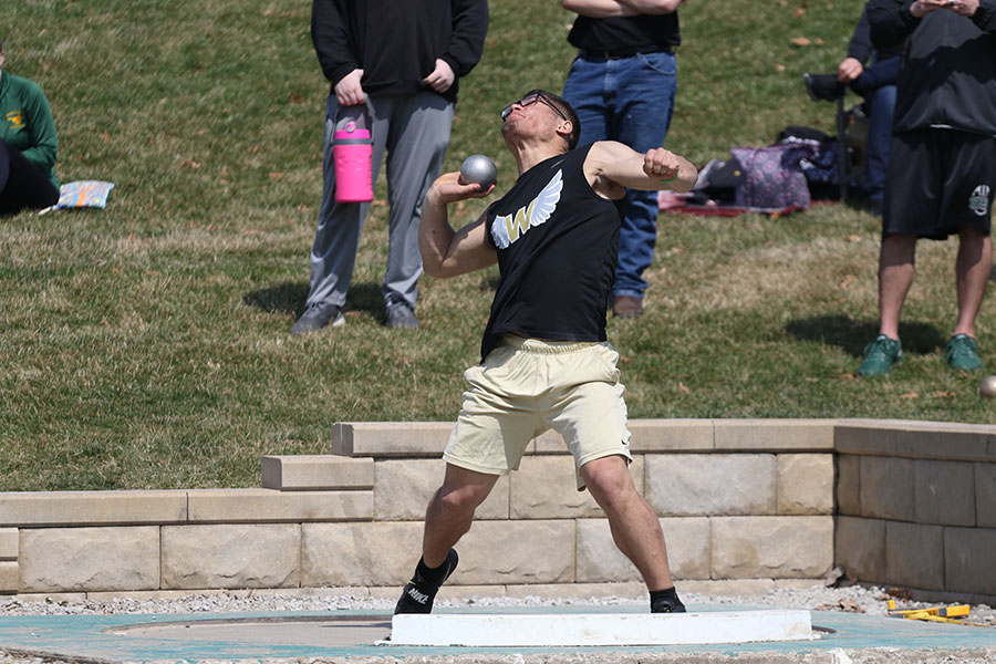 Landon+Green+%2719+throws+the+shot+put+on+Saturday%2C+April+6.+Green+won+the+shot+put+competition+with+a+throw+of+53-10.00.+He+also+placed+fourth+in+discus+with+a+throw+of+149-08+and+ran+the+last+leg+of+the+sixth+place+4x100+meter+relay.