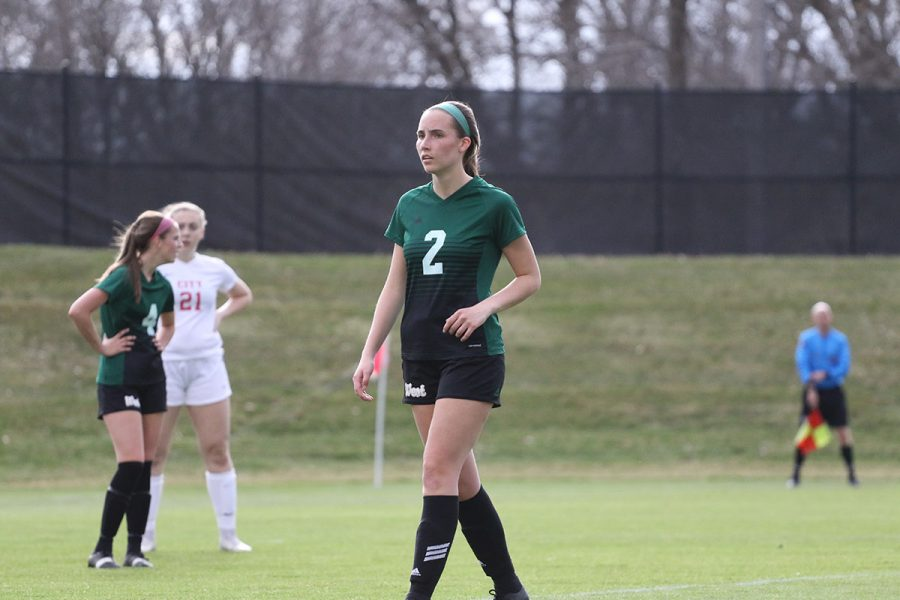 Marnie Vonderhaar '19 walks towards the goal during the second half on Tuesday, April 9.