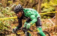 Devon Skyles '20 races down the trail to the finish lines at the Creekside CX 2018.