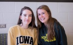 Friend Crush: Mia Dillingham '20 and Mary Woodward '21