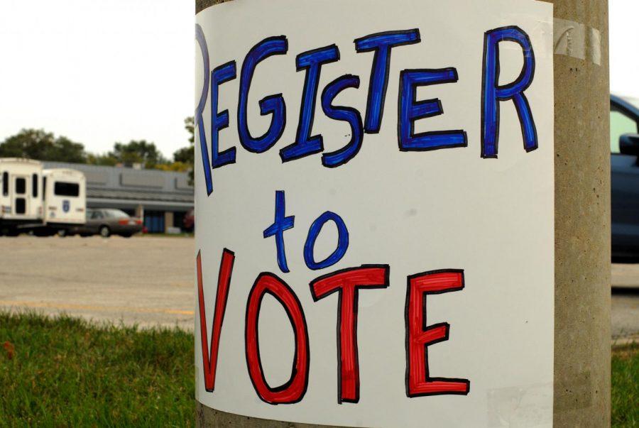 Iowa City South District Neighborhood Association hosts voter registration site