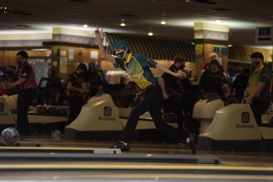 Robert Jones '21 powerfully throws the ball down the lanes Jan. 7.
