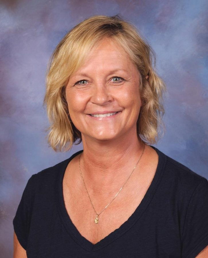 Julie+Peterson%3A+Cafeteria+manager