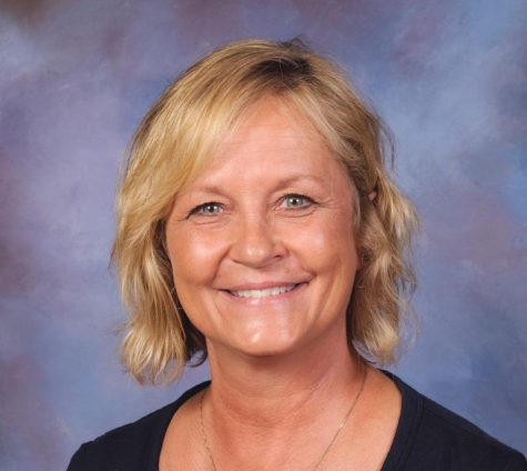 Julie Peterson: Cafeteria manager